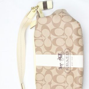 Coach purse small tan great condition
